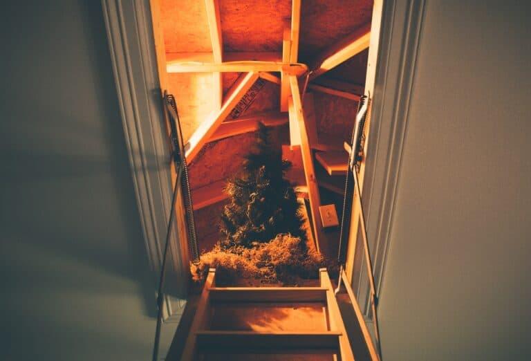 Sprzątanie strychu